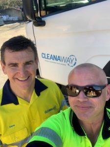 新南威尔士州固体公司总经理大卫·克兰西(左)和本
